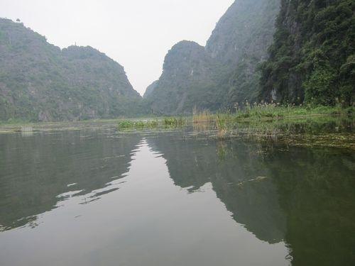 越南陸龍灣三谷湖 23.JPG
