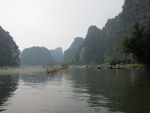 越南陸龍灣三谷湖 65.JPG