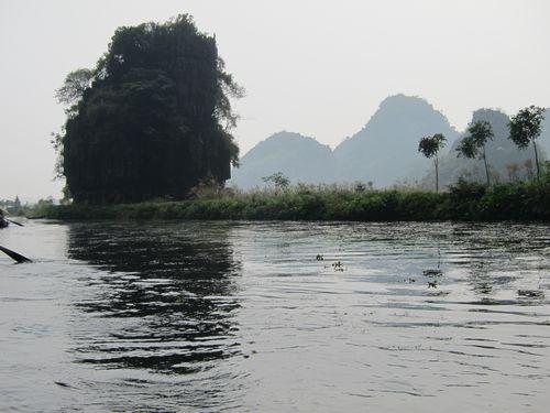 越南陸龍灣三谷湖 79.JPG