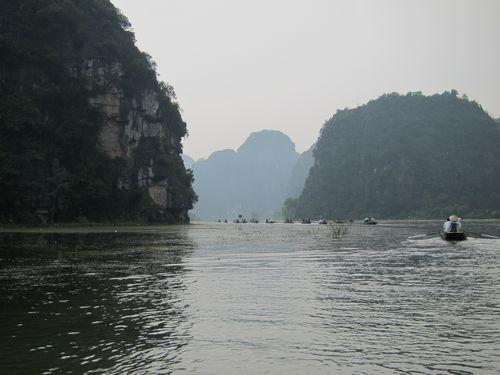 越南陸龍灣三谷湖 67.JPG