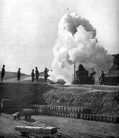 1904日本第3軍用28cm霰彈重砲轟擊旅順要塞俄國陸海軍