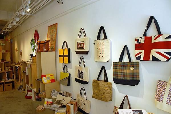 設計家風格 平民化價位的包包 01