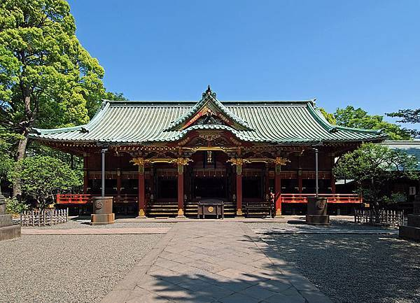 800px-Nezu_Shrine_2010.jpg