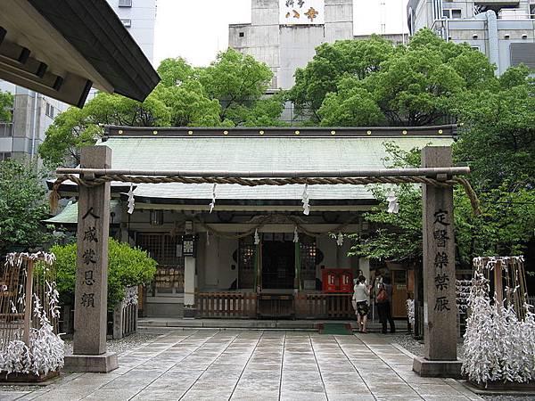 800px-Tsuyu-tenjinsha_haiden.jpg