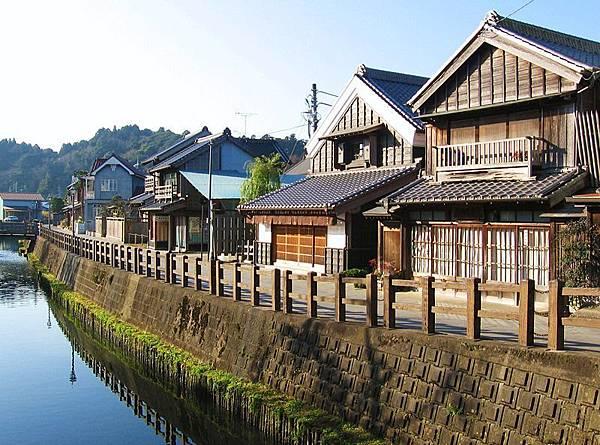 800px-A_view_of_Sawara-Honmachi