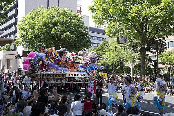 800px-Tohoku_Rokkonsai_Festival_2nd_Aomori_Nebuta