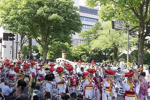800px-Tohoku_Rokkonsai_Festival_2nd_Fukushima_Waraji-Matsuri