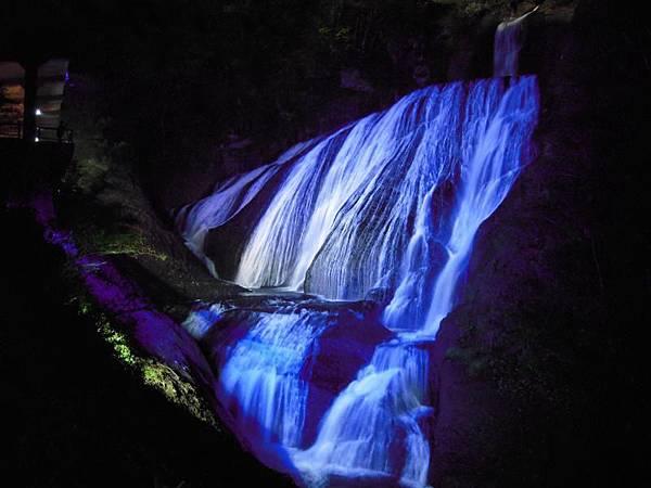 美観の秋 袋田の滝秋のライトアップ