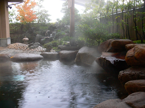 〔玉井別館〕露天風呂 Open-air Bath at Tamai Bekkan.JPG