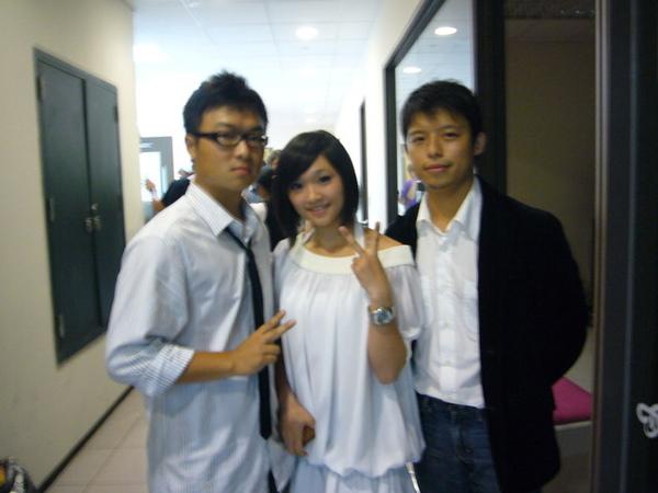 佳瑩姐的弟弟和哥哥跟我>///<