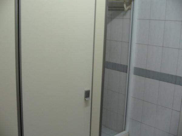 廁所。浴室