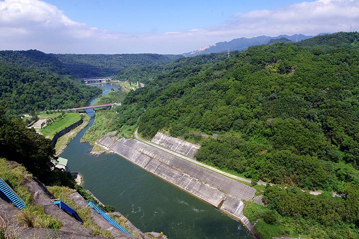 台灣中部平原最大的水庫【三義鄉鯉魚潭水庫】