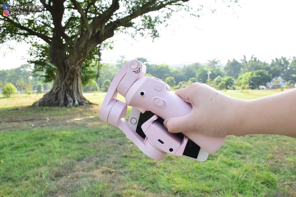 FUN GOODY發現好物-SNOPPAATOM口袋型三軸穩定器DSC_0304Liz開懷大笑看世界.JPG