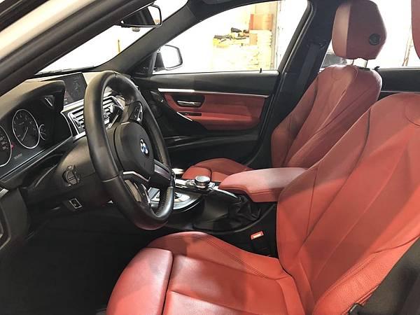 2017 BMW 330i_201006_6.jpg
