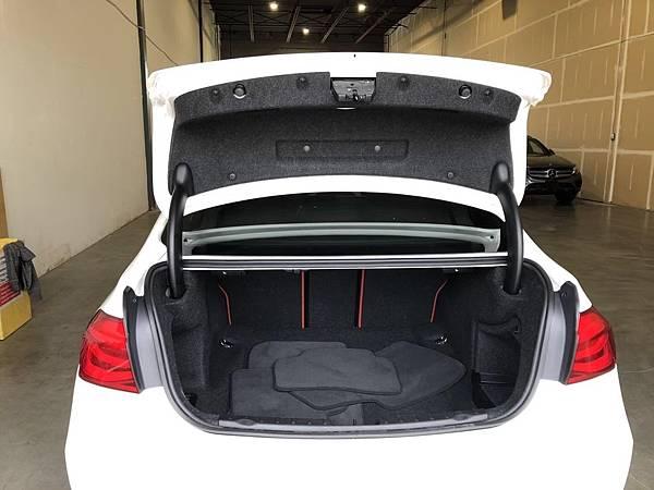 2017 BMW 330i_201006_7.jpg