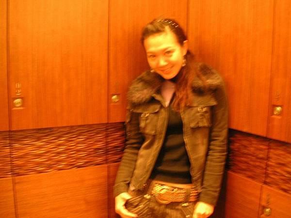 在更衣室偷偷照相