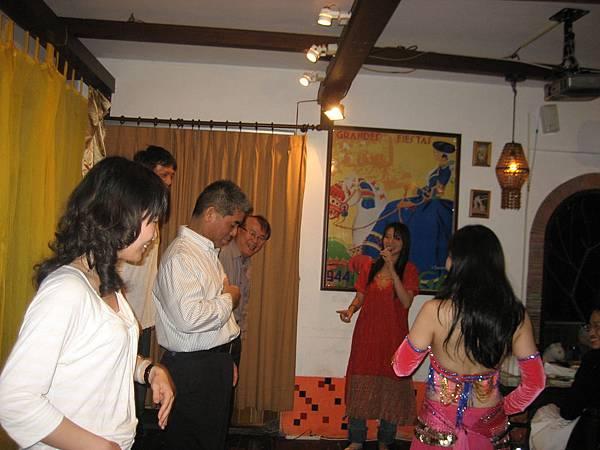 巴塞隆納餐廳帶動跳活動