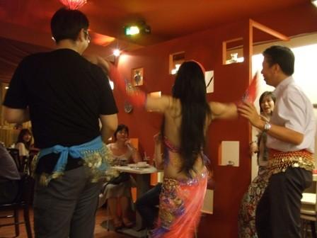 巴巴卡巴巴餐廳帶動跳