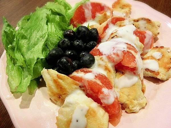 葡萄柚烤雞胸肉沙拉