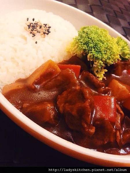 日式牛肉咖哩飯