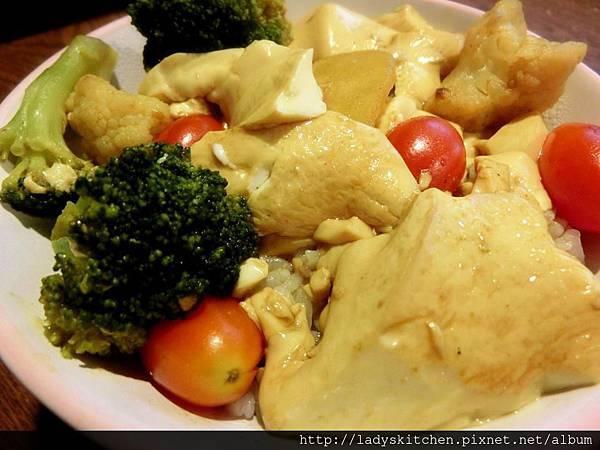 日式咖理蕃茄豆腐蓋飯