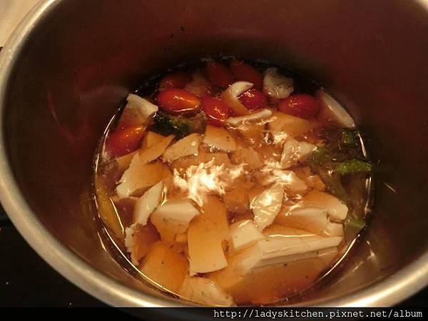 日式咖理蕃茄豆腐蓋飯1