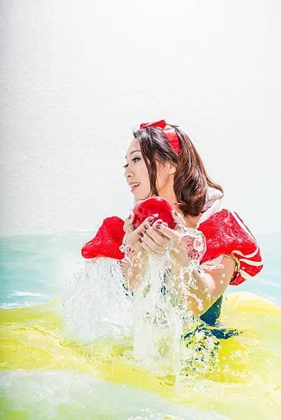 水中白雪公主