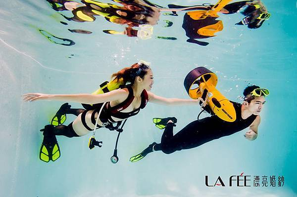 情侶水中藝術照