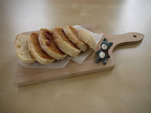太妃糖與烤核桃碎麵包片
