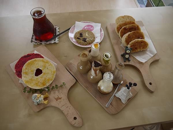 還有冰紅茶和手工餅乾