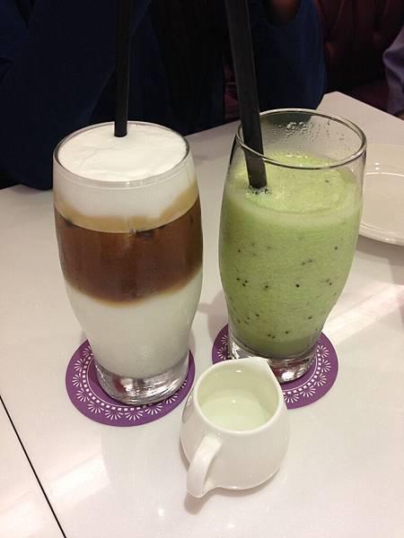 咖啡.奇異果汁