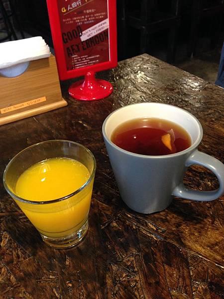 現打柳橙汁&熱紅茶