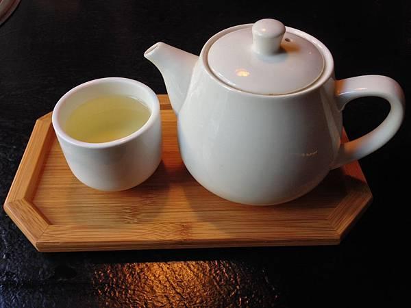 熱高山烏龍茶