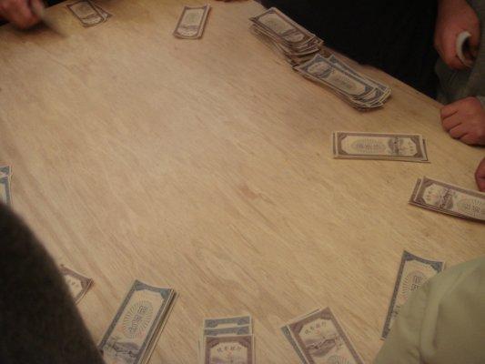 最後錢都被莊家拿走了@_@~~