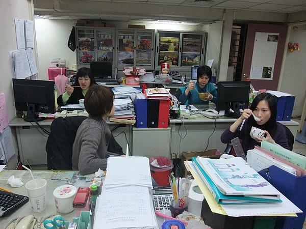2011部門聚餐-3.JPG