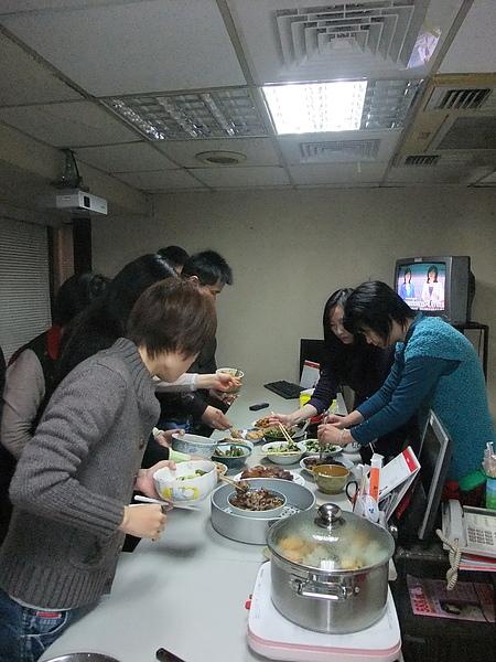 2011部門聚餐-2.JPG