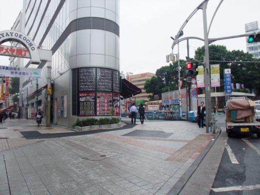 阿美衡丁就在京城上野的旁邊,最後掃貨超便利