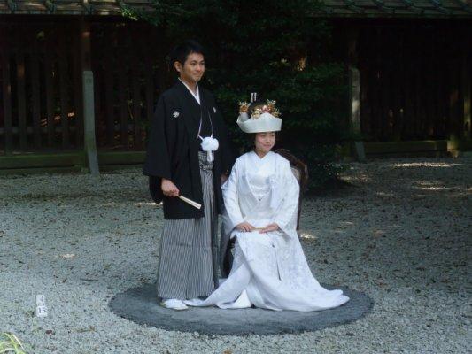 日本人很愛傳統的結婚儀式