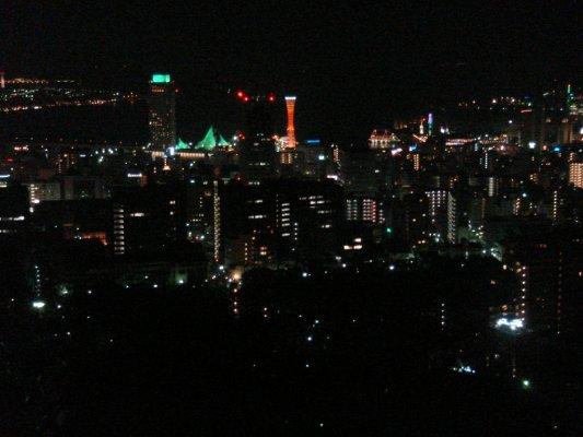 夜晚的神戶塔好美唷