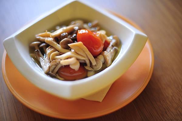 油漬蕃茄鮮菌菇