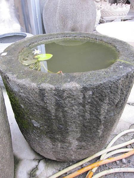 """原石水缸60cm""""18000元"""""""