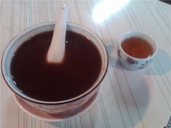 劉記紅豆坊的紅豆湯和茉香綠茶.jpg