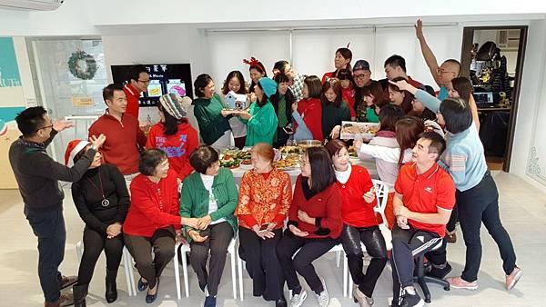 20171221聖誕午餐趴_171221_0005.jpg