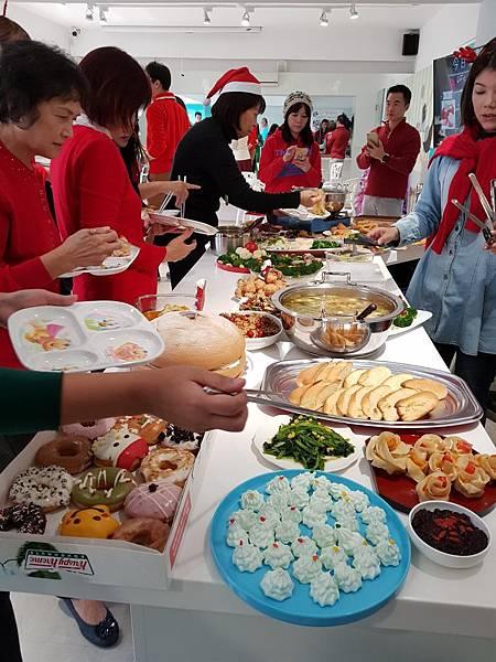 20171221聖誕午餐趴_171221_0048.jpg