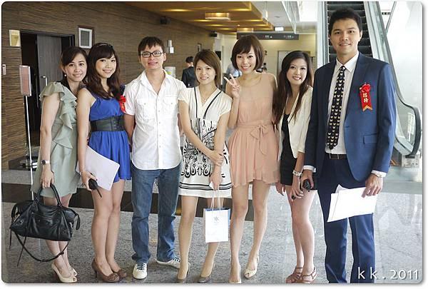 婚禮洋裝 (2).JPG