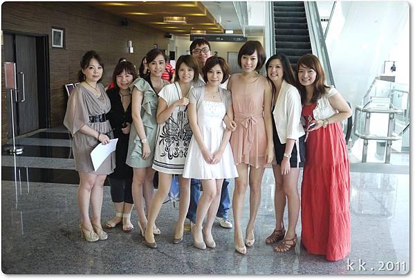 婚禮洋裝 (8).JPG