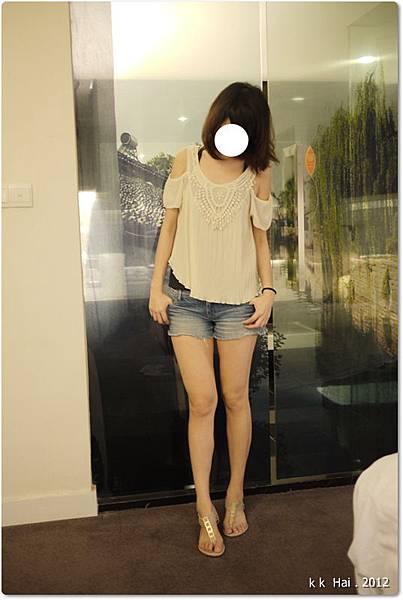 蕾絲露肩雪紡衫 (1)