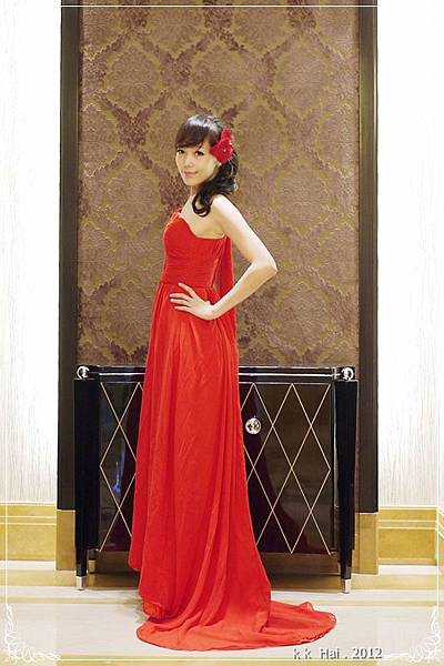 單肩紅色晚禮服 (15)