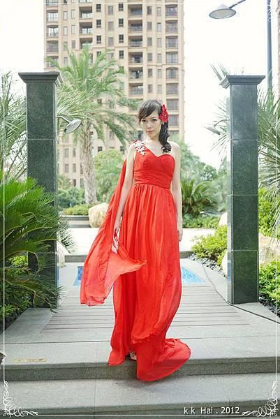 單肩紅色晚禮服 (8)