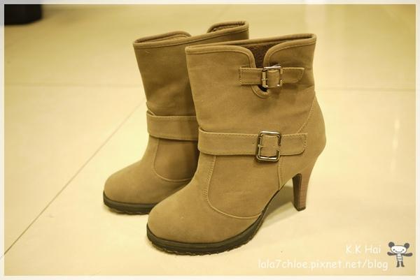李孝利短靴 (3).JPG